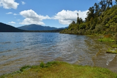 lake_paringa_01
